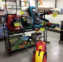 מכסחת דשא רובוטית או חשמלית